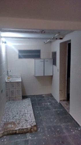 térrea com 1 dormitório,cozinha, wc - jd. maria estela