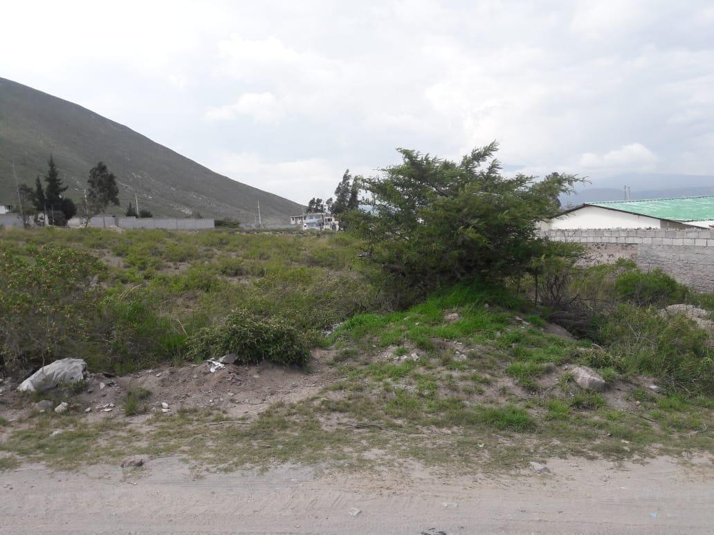 terreno 1026 m2 en san antonio de pichincha