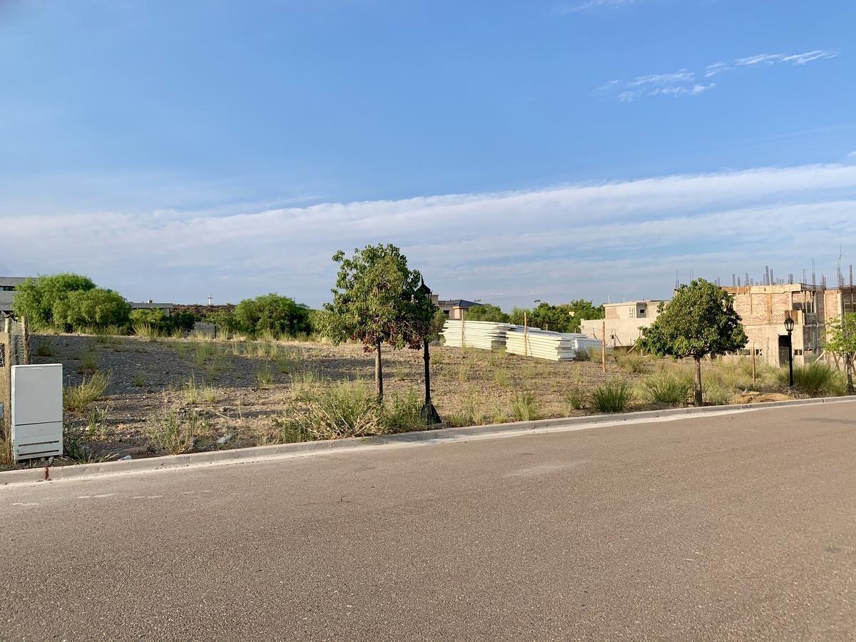 terreno 1200 m2 en dalvian sector 3