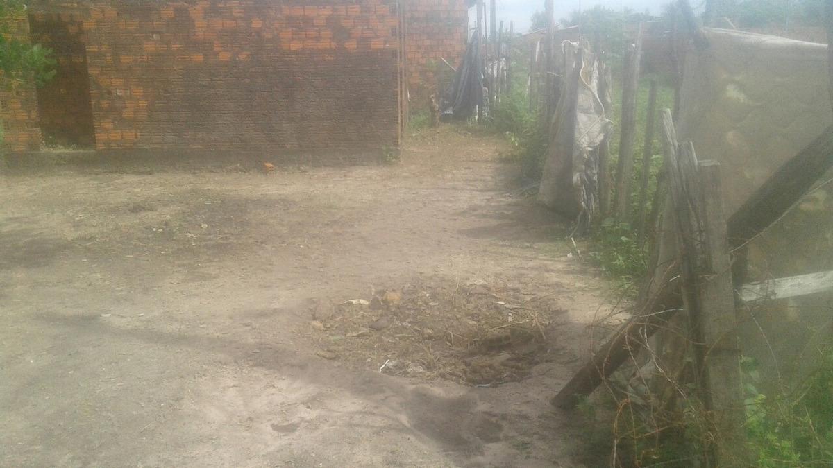 terreno 16x18 com construção inacabada de alvenaria
