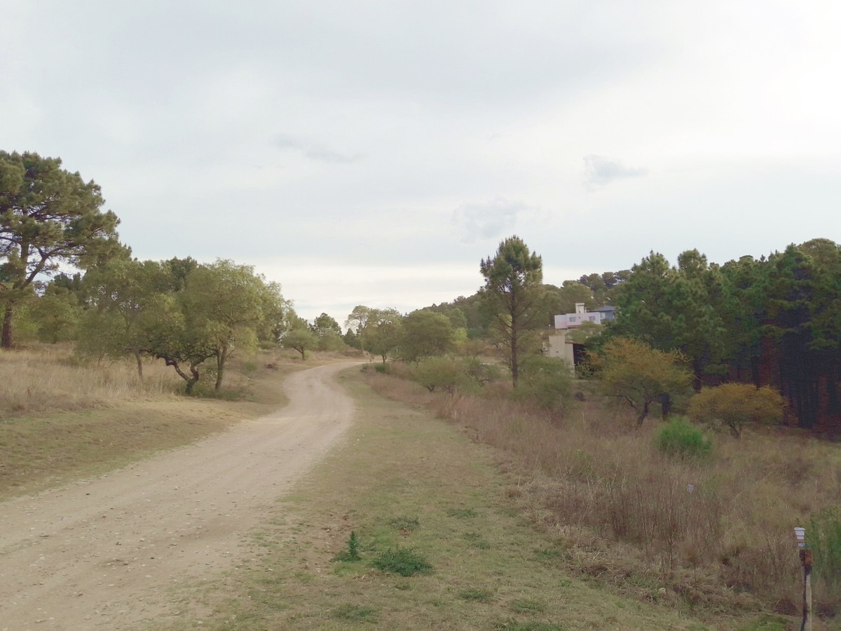 terreno 2352.90m2 en villa del cóndor -barrio cerrado-