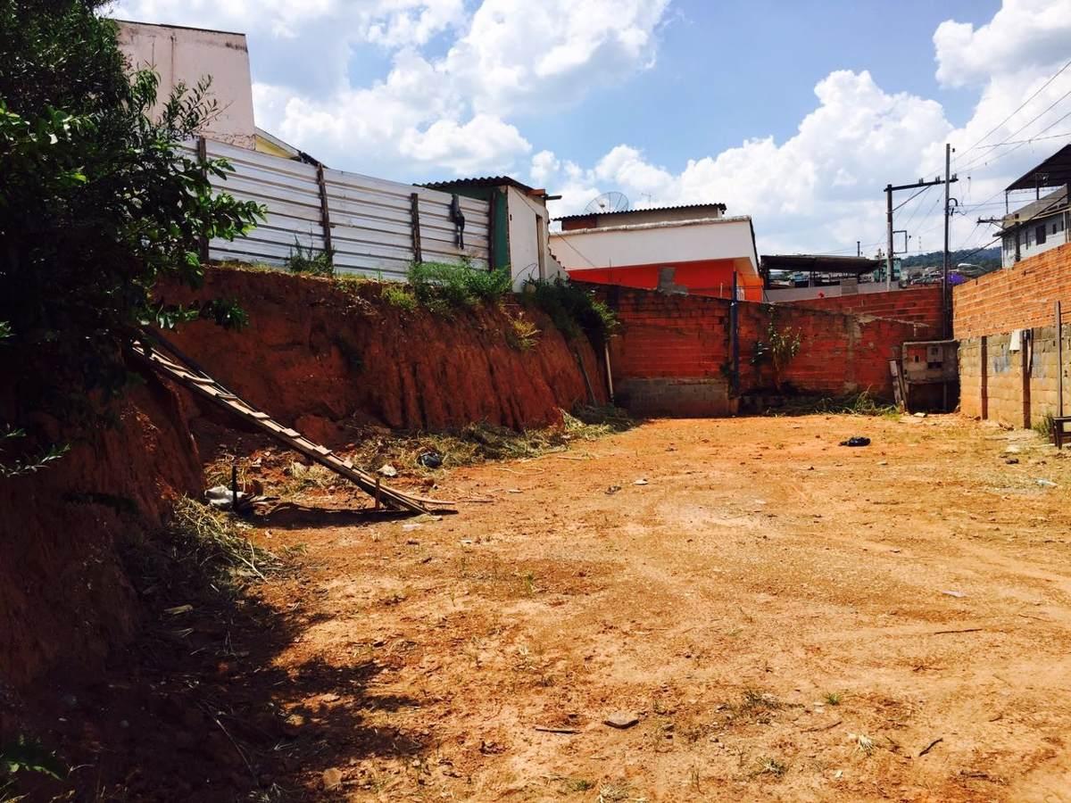 terreno 500m2 , 20x25 de esquina, terreno murado e limpo.