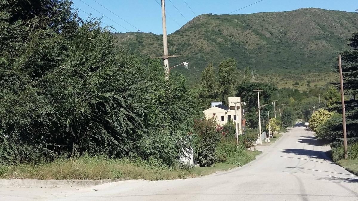 terreno a 3 cuadras del rio sobre av. princ. en san antonio
