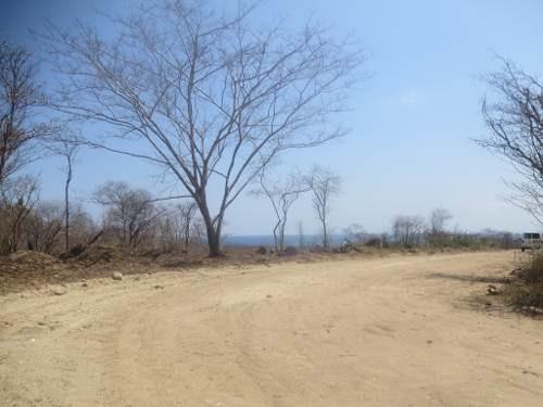 terreno a 500 metros de playa en puerto escondido oaxaca.