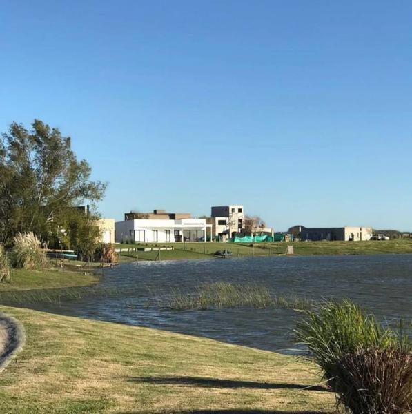 terreno a la laguna en san sebastian
