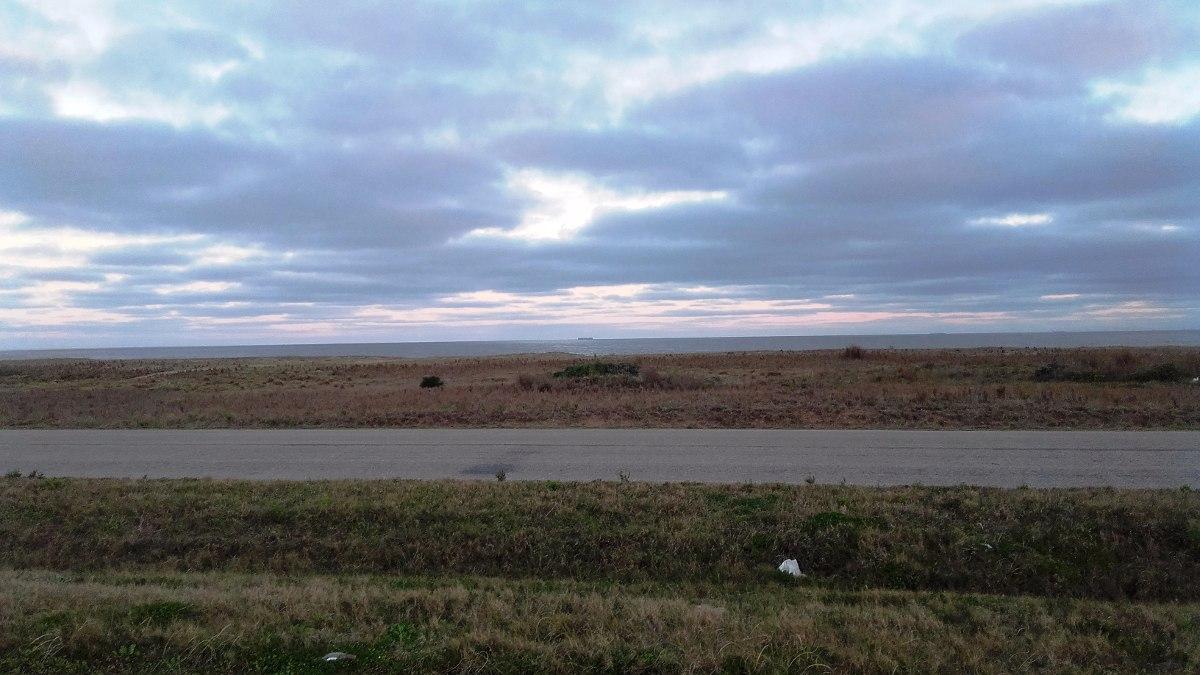 terreno a la venta frente al mar en punta negra