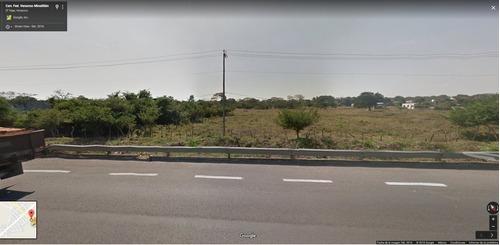 terreno a orilla de carretera paso del toro medellin