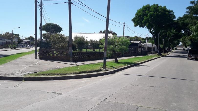 terreno baldío nivelado, próximo avenidas!