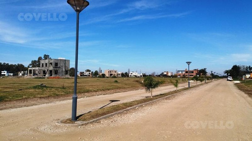 terreno, barrio privado, a metros del rio, premium