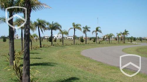 terreno barrio privado puerto roldan. club house, canchas de deportes.