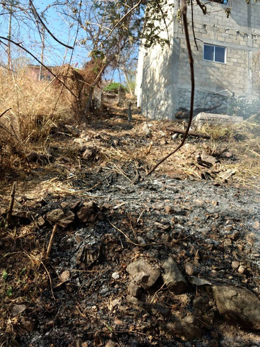 terreno casa en obra gris xochitepec a 2 calles av principal