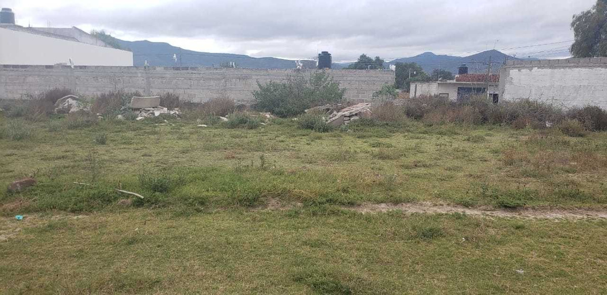 terreno céntrico (cerca de preparatoria luis mora).