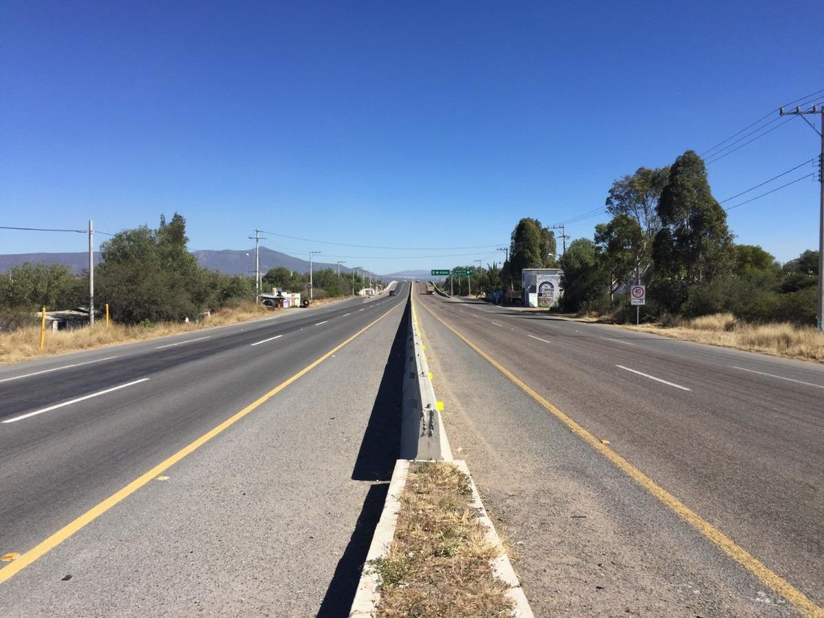 terreno colon a  pie de carretera cerca de arkansas