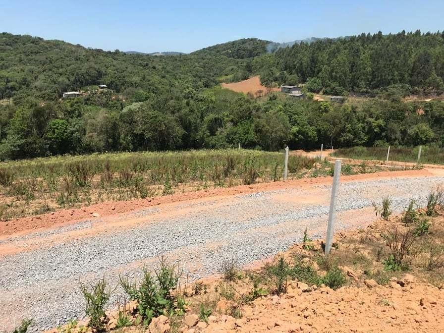 terreno com infraestrutura, ruas cascalhadas, 600 m2 25 mil