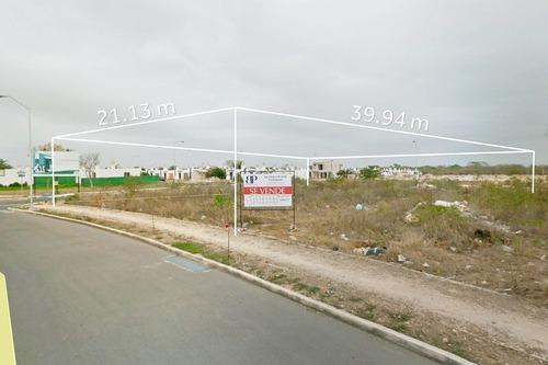 terreno comercial 3 en esquina polígono 4.1 en ciudad caucel en venta