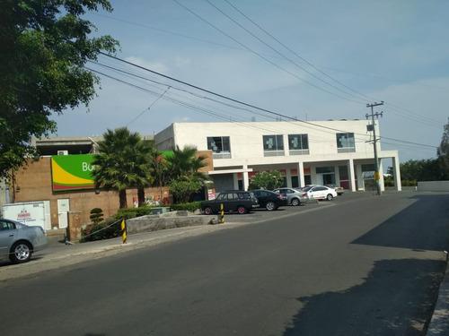 terreno comercial en avenida ahuatlan