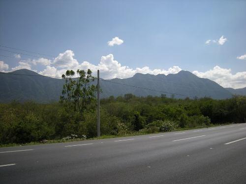 terreno comercial en carretera nacional (lazarillos)
