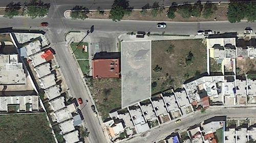 terreno comercial en paseos de opichén sobre avenida al lado del oxxo