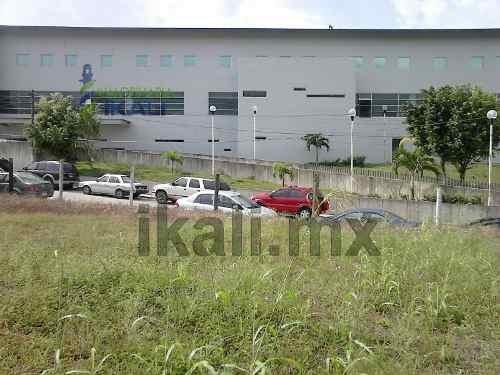 terreno comercial en venta en colonia salvador allende poza rica ver, cuenta con 528 m² se encuentra ubicado en la av. papantla de la colonia salvador allende, casi en frente del nuevo hospital del i