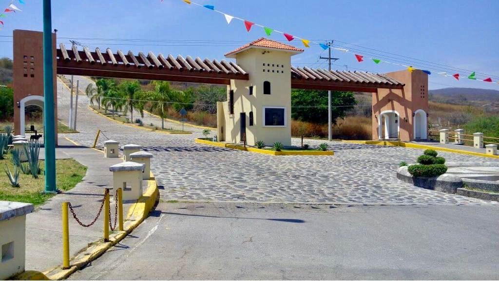 terreno comercial en venta en cuautla en villa dorada