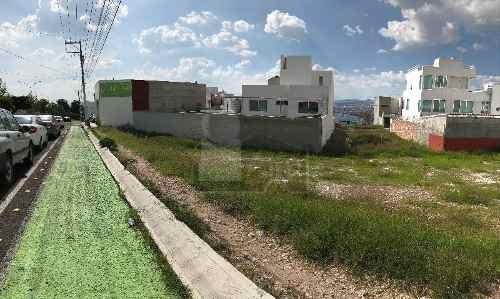 terreno comercial en venta o renta en colinas del cimatario  a 500 mts de centro cívico.
