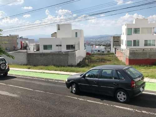 terreno comercial en venta o renta en colinas del cimatario a 500 mts de centro cívico