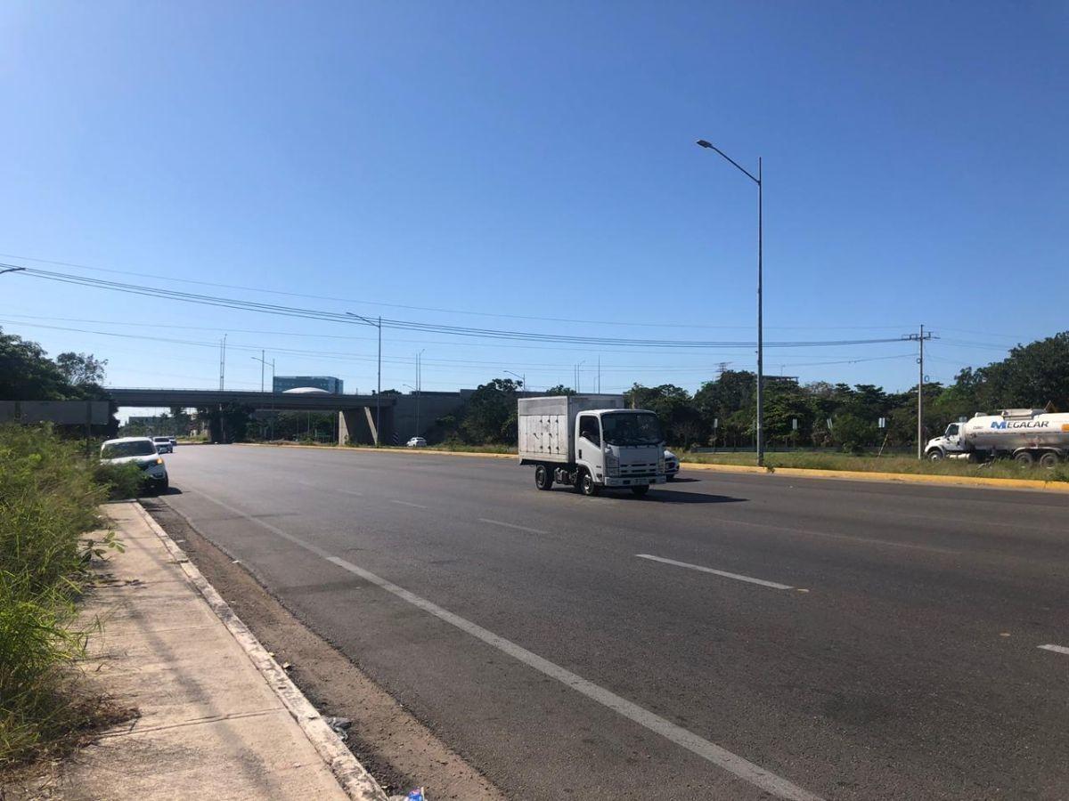 terreno comercial en venta sobre carretera progreso. en esquina