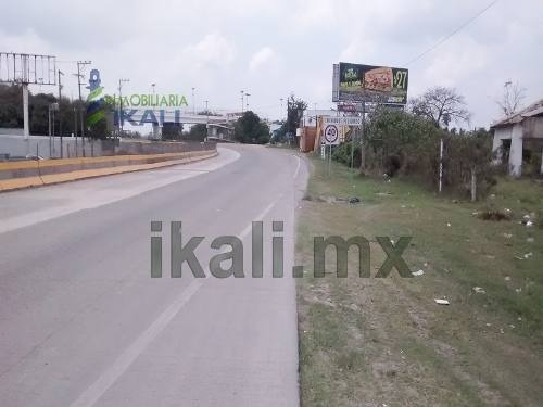 terreno comercial tuxpan ver en renta. se encuentra ubicado abordo de la autopista tuxpan-poza rica con un frente de 79 m. y por la calle posterior 63 m. a la calle alquiles serdan en santiago de la