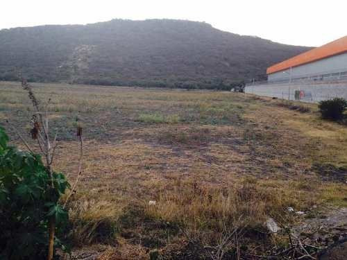 terreno con 220 mts frente al libramiento norponiente querétaro.