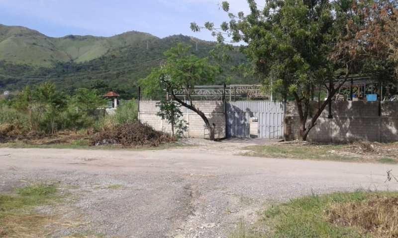 terreno con anclajes para galpón en venta en variante yagua