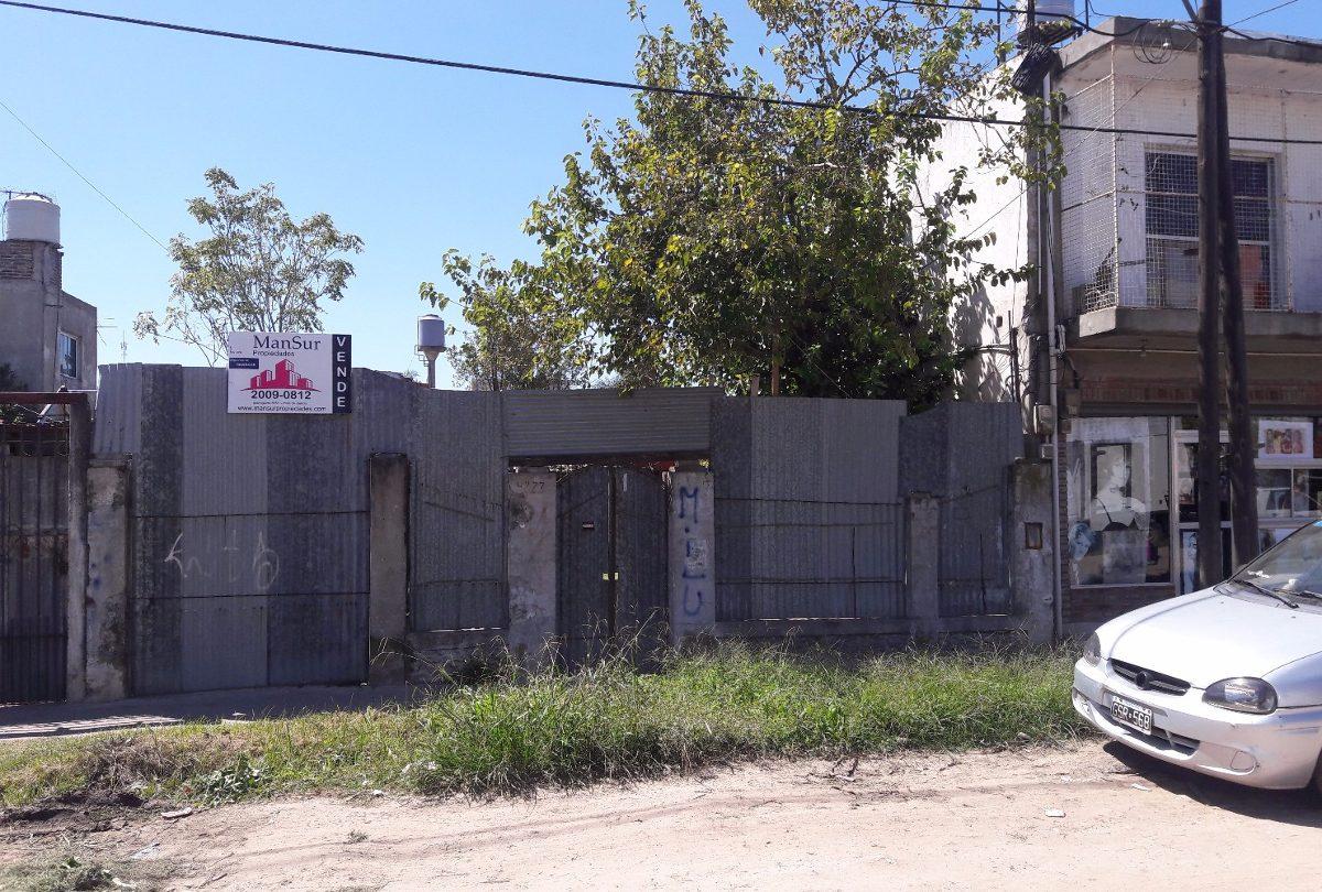 terreno con casa a reciclar  ó a demoler