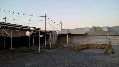 terreno con construcción. blvd. aeropuerto #2001.