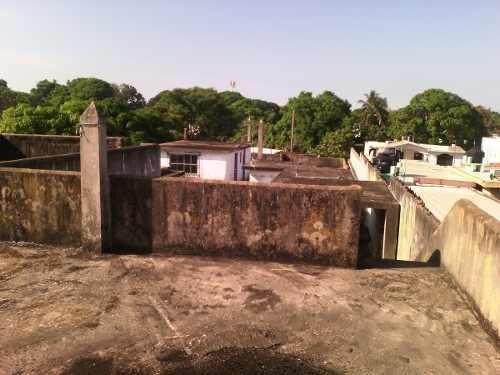 terreno con construcción, cerca del tec. de madero en pavimentada