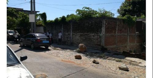 terreno con construcción en venta en av. méxico colonia santa cruz.