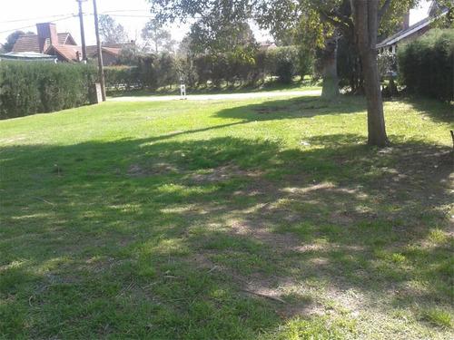 terreno con fondo  al golf country loma verde