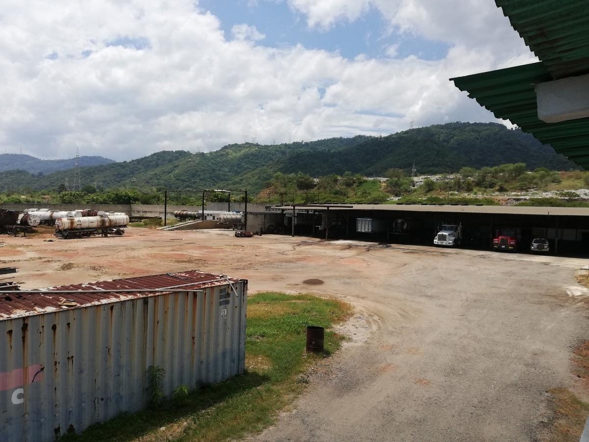 terreno con galpón y oficinas ubicado zona portuaria