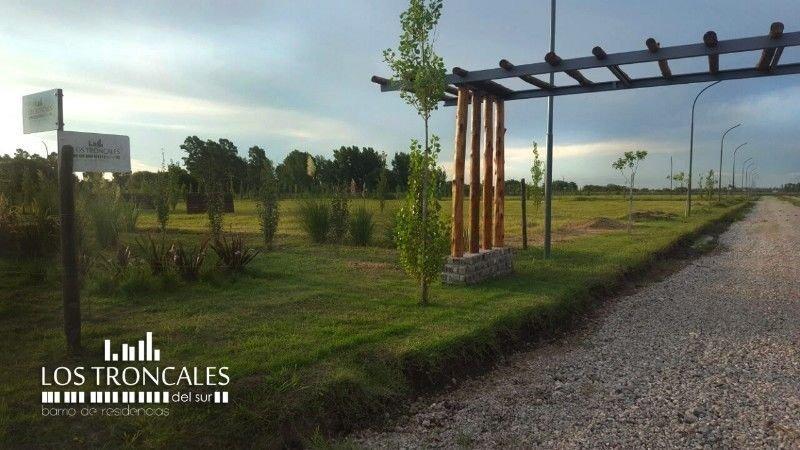terreno con pileta / listo para el verano / zona de alvear