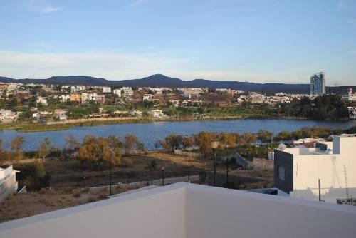 terreno con vista al lago