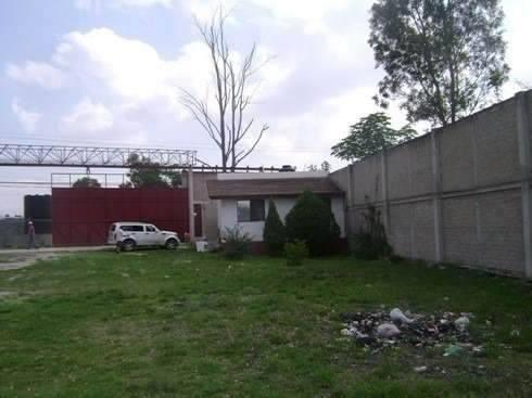 terreno de 12,663 m2 con dos casas en zapopan jalisco.