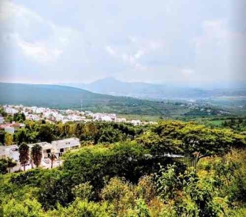 terreno de 1280 m2 con excelente vista en vista real