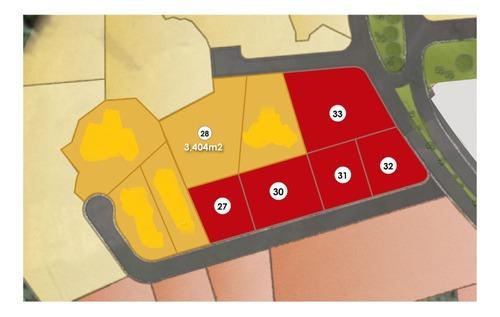 terreno de 1876 m2 uso de suelo mixto en juriquilla
