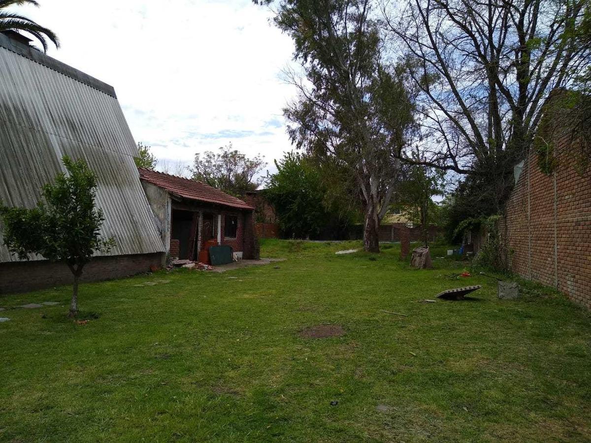 terreno de 20 x 50 mts., pileta a reparar udaondo. retazada!