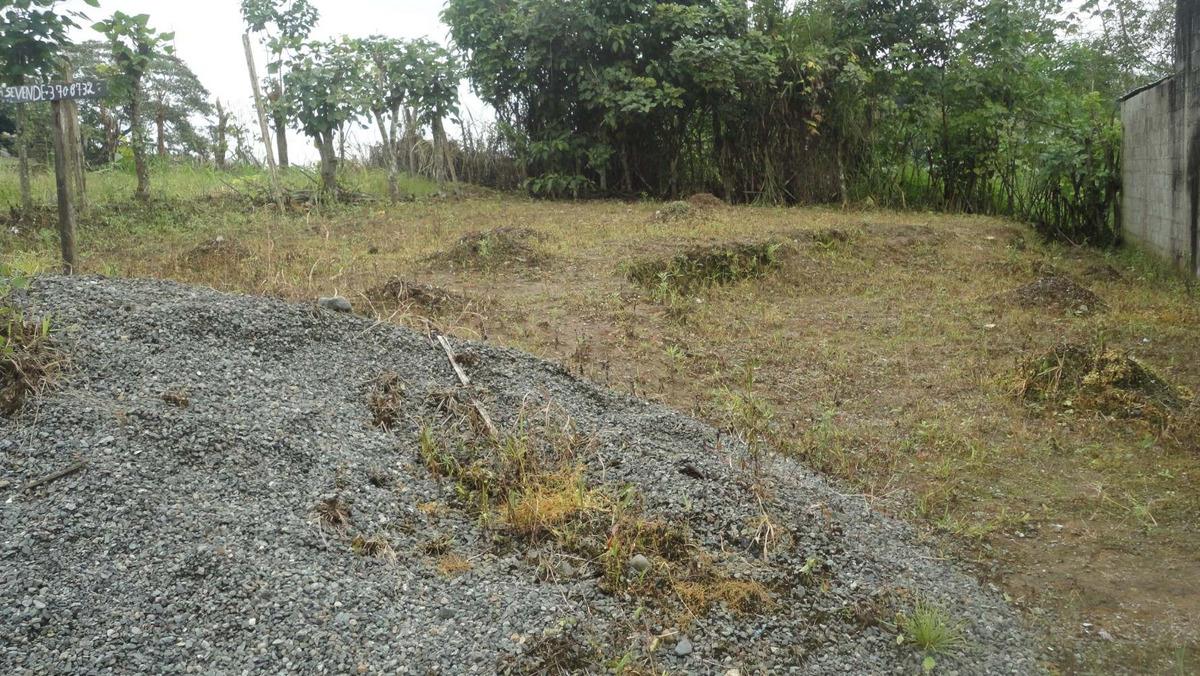 terreno de 200 m²   $15.000 negociable