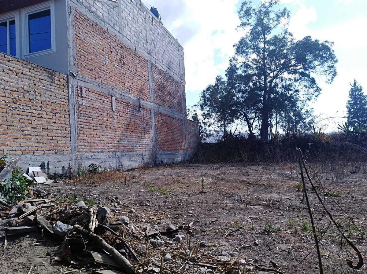 terreno de 230 m2