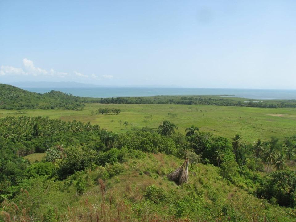 terreno de 8 millones de metros cuadrados con playa