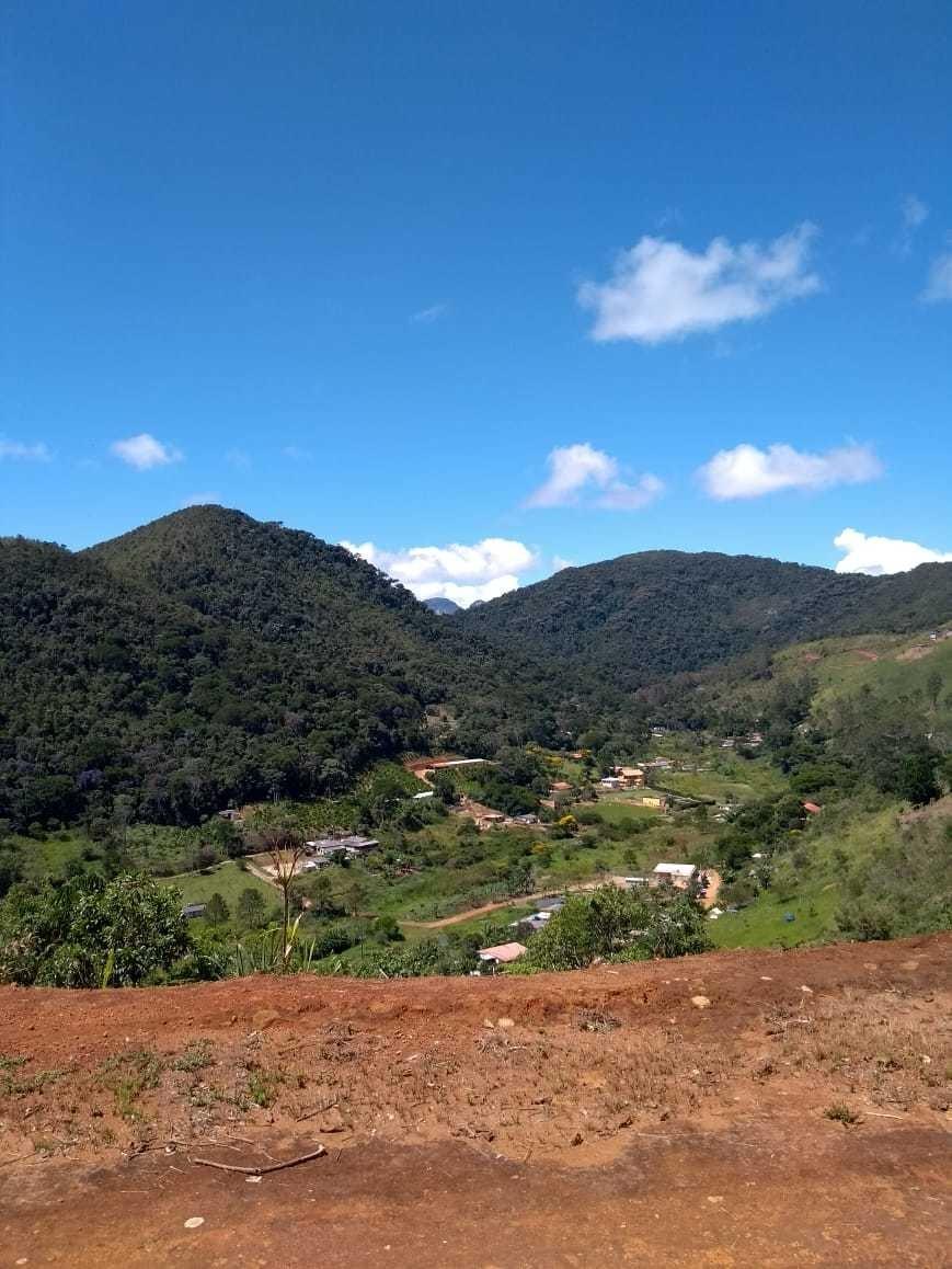 terreno de 850 m² com bela vista para montanhas - cond. fech
