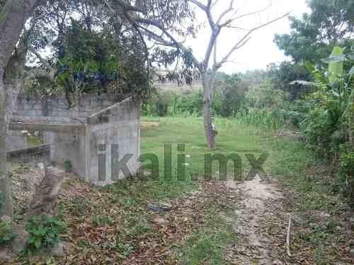 terreno de 853 m² en colonia insurgente alto lucero, tuxpan ver, se encuentra ubicado en la calle leona vicario continuación 1° de septiembre, cuenta con 853 m², son 14.80 m de frente por 55 m de fon