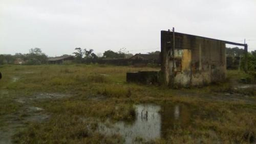 terreno de chácara á venda,medindo 4880m²,em itanhaém/sp