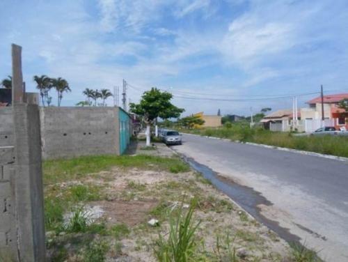 terreno em área comercial em itanhaém sp