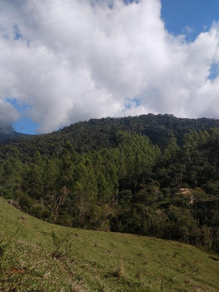 terreno em área nobre com cachoeira particular